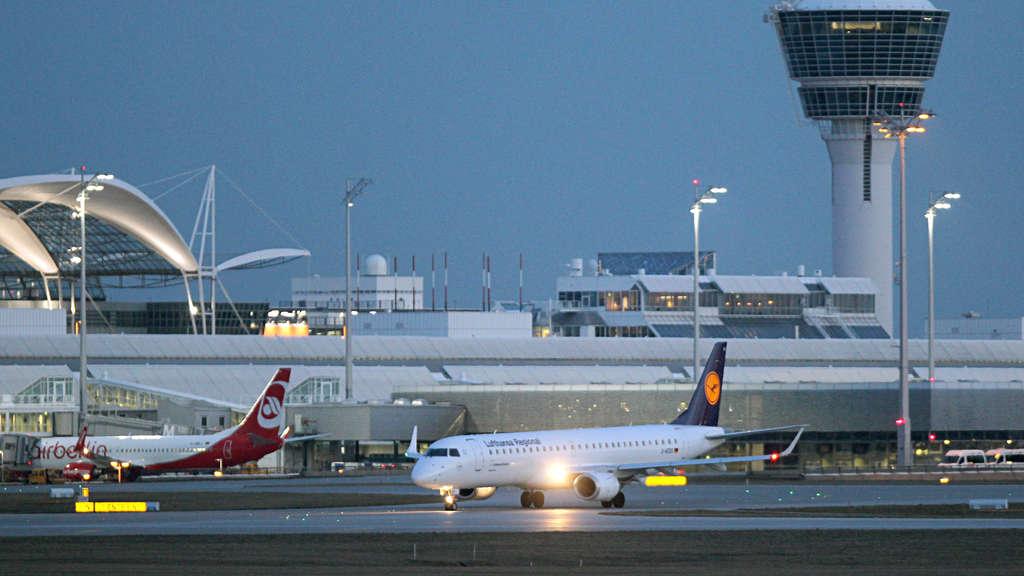 Boeing mit neuen Problemen: Risse an Flugzeugen