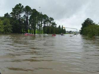 Eine Straße in Denham Springs ist komplett überflutet. Foto: Louisiana Department Of Transpor