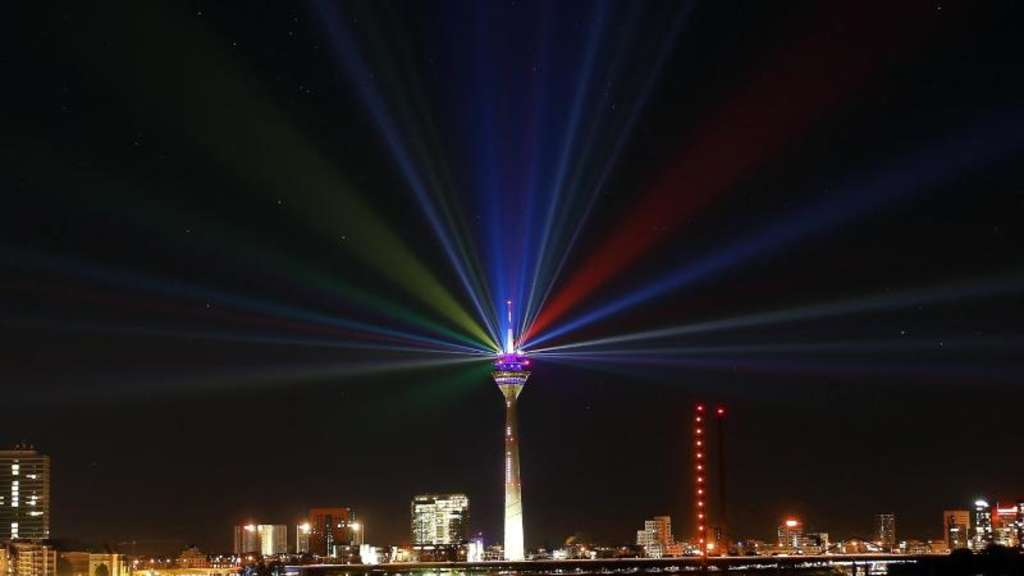 Lichtspektakel in Düsseldorf. Foto: David Young