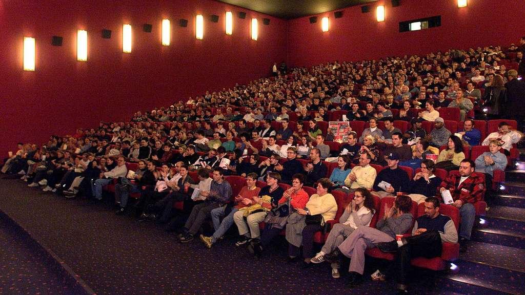 Gute Unterhaltung St Renfriede Im Kino Region