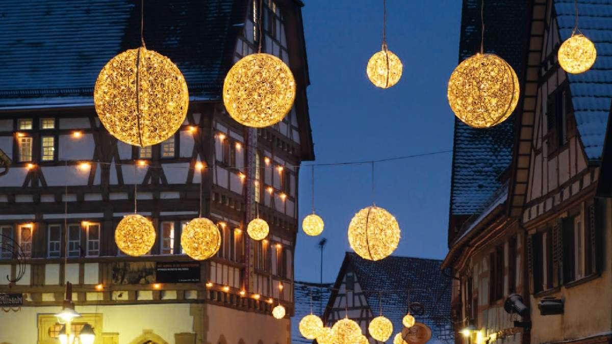 Weihnachtsbeleuchtung Xxl.Beleuchtung Wird Festlich Eingeschaltet Events
