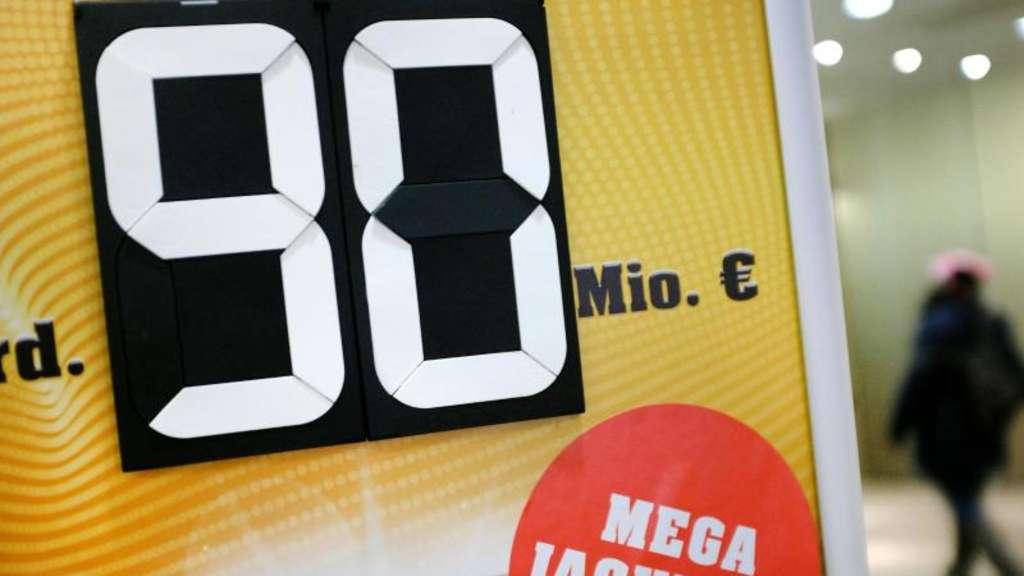 Fünf Finnen knacken 90-Millionen-Jackpot | Welt